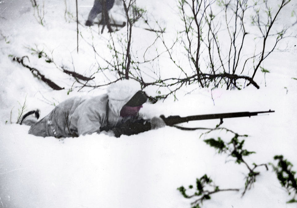 A-Finnish-soldier-in-position-on-the-ground-during-Winter-War-391852659513