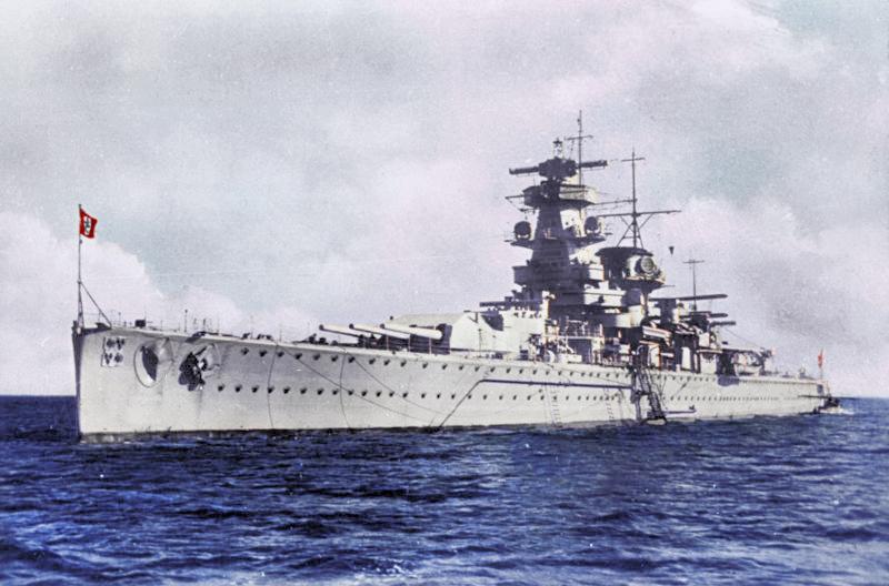 Bundesarchiv_DVM_10_Bild-23-63-06%2C_Panzerschiff__Admiral_Graf_Spee_